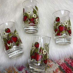 Strawberry Juice Glasses Set of 4 Triguba Design